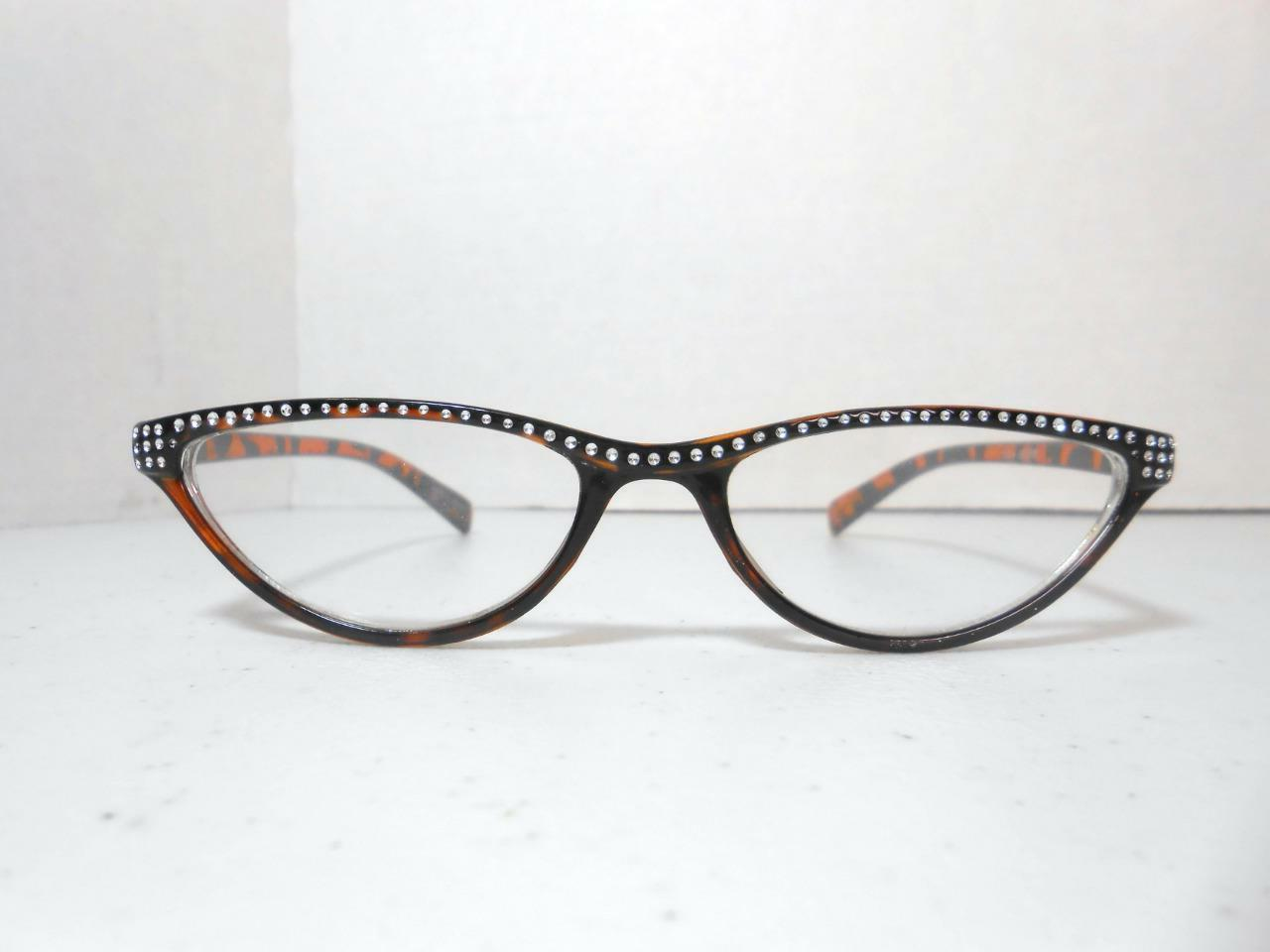 Cat Eye Style Glasses Look COLOR STRENGTH